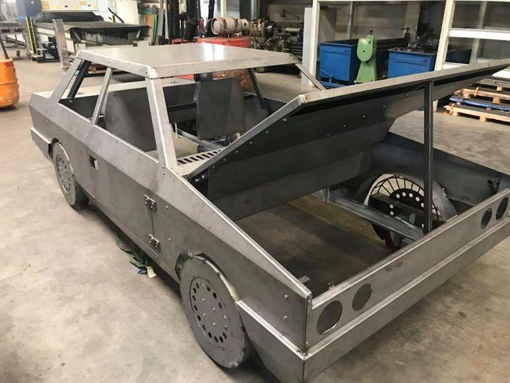 Nieuw model bumpercar, wie rijdt